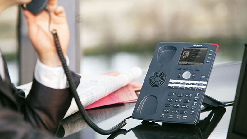 Top 7 things you should consider when buying a business phone system